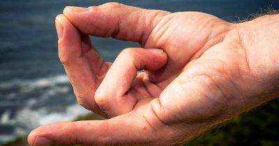 Finger-Yoga: Schluss mit Stress & Schmerzen