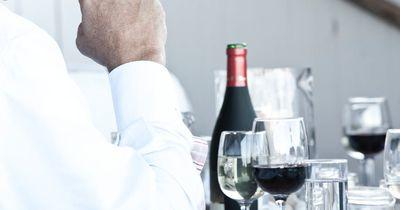 Finde heraus, ob dein Gegenüber unter einer Alkoholkrankheit leidet